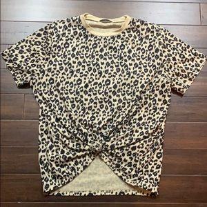 Blooming Jelly - short sleeve leopard print tee